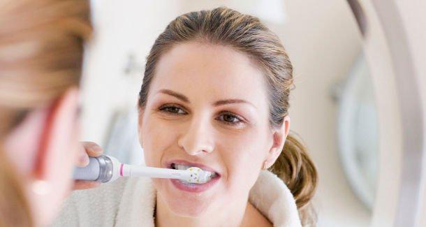 Escovar os dentes logo após uma refeição