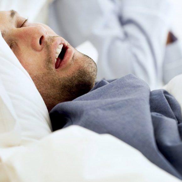 5 sinais que você pode ter apneia obstrutiva do sono